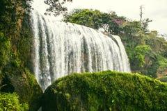 大叻,越南- 2017年2月17日 大象瀑布 大叻 越南 它是超过30m高,大约15m宽 免版税图库摄影