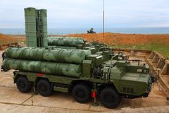 大和中程C-400 Triumf俄国防空导弹系统在塞瓦斯托波尔 免版税库存照片