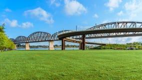大四桥梁路易斯维尔KY 免版税库存照片