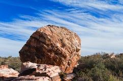 大圆的岩石 免版税图库摄影