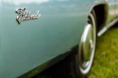 大型个人豪华汽车卡迪拉克黄金国七一代的片段 图库摄影