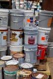 绘大型垃圾桶 免版税库存图片