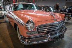 大型汽车克莱斯勒温莎, 1956年 库存照片