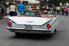 大型汽车别克LeSabre敞篷车, 1959年 图库摄影