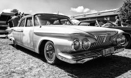 大型汽车普利茅斯Fury, 1961年 免版税库存照片