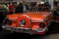 大型汽车福特Galaxie Skyliner可撤回的Hardtop, 1959年 免版税库存图片