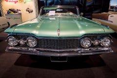 大型汽车Oldsmobile超级88 Convertible, 1959年 免版税库存照片