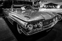 大型汽车Oldsmobile超级88 Convertible, 1959年 图库摄影