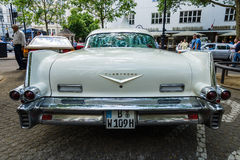 大型豪华汽车卡迪拉克弗利特伍德系列70黄金国Brougham, 1957年 库存图片