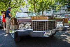 大型豪华汽车卡迪拉克De Ville敞篷车, 1970年 免版税图库摄影