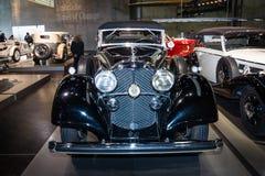大型豪华汽车奔驰车770 (W07)盛大默西迪丝开放游览车, 1937年 免版税库存照片