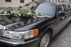 大型高级轿车婚礼 库存图片