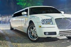 大型高级轿车白色 库存照片