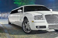 大型高级轿车白色 免版税库存照片