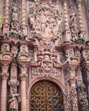 大城市临时房屋的外部在墨西哥城 免版税库存照片
