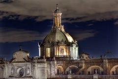 大城市大教堂圆顶Zocalo墨西哥城墨西哥夜 免版税库存照片