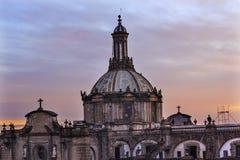 大城市大教堂圆顶Zocalo墨西哥城日出 库存照片