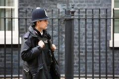 大城市女警当班在伦敦 库存图片