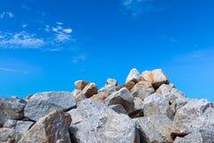 大堆灰色岩石 库存图片