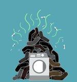 大堆肮脏和有臭味的袜子 洗衣机illus 免版税库存图片