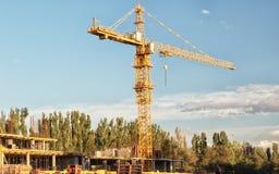 大塔建筑用起重机 免版税库存照片
