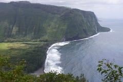 大夏威夷海岛有薄雾的海岸线 免版税库存照片