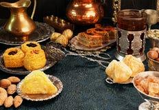 大套东部,阿拉伯,土耳其甜点 库存图片