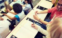 大学教室的国际学生 免版税库存照片