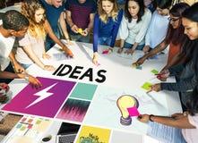 大学年轻成人配合项目概念 图库摄影