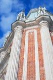 大宫殿在Tsaritsyno公园在莫斯科 低角度视图 免版税库存图片