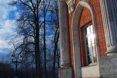 大宫殿的看法在Tsaritsyno公园在莫斯科 库存图片