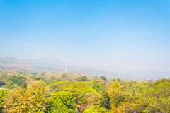 大山(土井素贴)在污染雾,清迈Thail 免版税图库摄影
