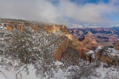 大峡谷南外缘雪 免版税库存照片