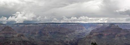 大峡谷宽全景 免版税库存图片