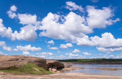 大峡谷惊奇岩石在湄公河 免版税库存图片