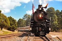 大峡谷村庄,亚利桑那,美国- 2011年9月17日:葡萄酒在驻地的蒸汽机车在大峡谷村庄 盛大加州 免版税库存照片