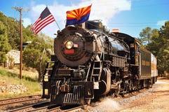 大峡谷村庄,亚利桑那,美国- 2011年9月17日:葡萄酒在驻地的蒸汽机车在大峡谷村庄 盛大加州 库存图片