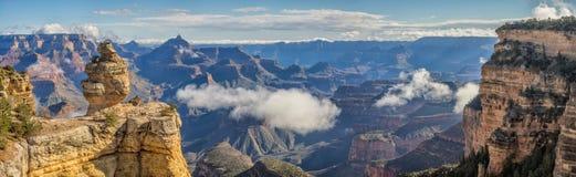 大峡谷鸭子在一个多云早晨,亚利桑那 免版税库存照片