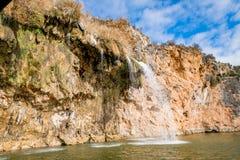 大峭壁和岩层在Texas湖 库存照片