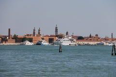 大巡航划线员在亚得里亚海,威尼斯,意大利运送 图库摄影