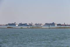 大巡航划线员在亚得里亚海,威尼斯,意大利运送 库存图片