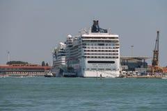大巡航划线员船在亚得里亚海,威尼斯,意大利 免版税库存图片