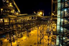 大工厂管子和大厦  库存图片