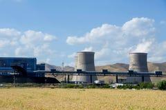 大工厂,热电站,全球性变暖烟上升 库存照片