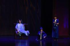 大师和仆人入宫殿现代戏曲女皇在宫殿 库存图片