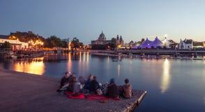大帐篷马戏样式帐篷和戈尔韦大教堂 免版税图库摄影