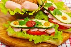 大开胃快餐长方形宝石三明治用莴苣,蕃茄 免版税库存照片