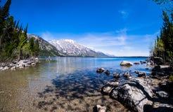 大提顿峰-湖 免版税库存照片