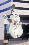 大提琴球员雕塑在休斯敦TX 免版税库存图片