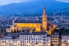 大教堂三塔Croce在佛罗伦萨在晚上,意大利 库存图片